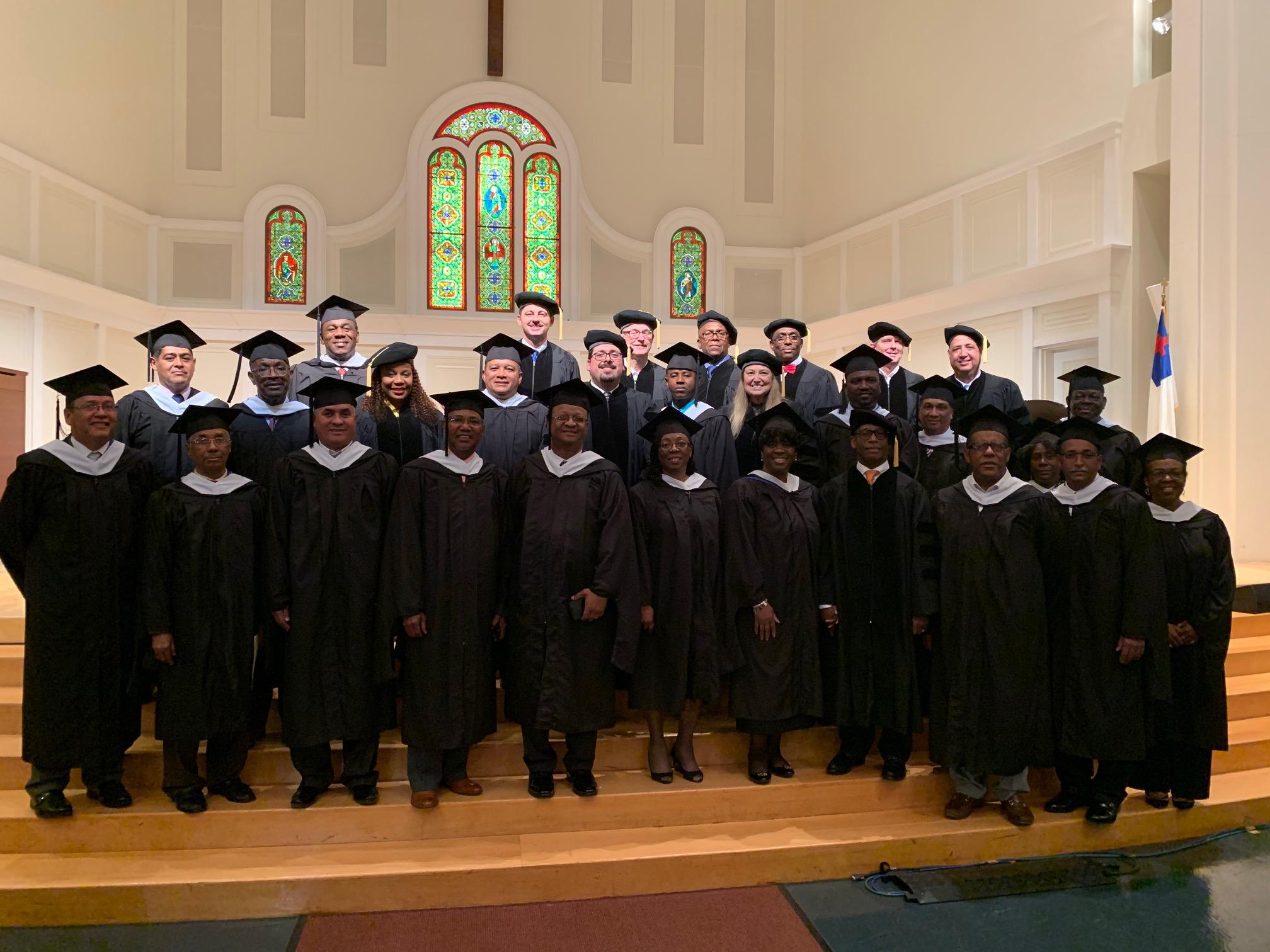 Los líderes de la IDP se gradúan en el Seminario Teológico Gordon-Conwell